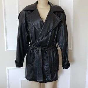 Thick genuine leather trenchcoat with belt